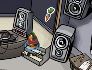 Club Penguin Carrot Pin in Night Club